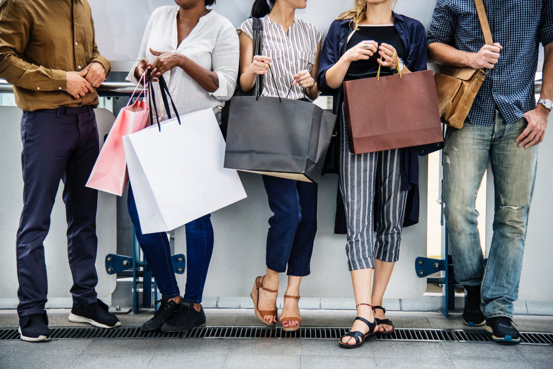 האם קניית ביגוד ונעליים ברשת משתלם?