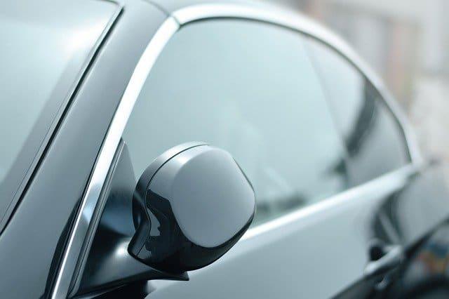 עלות השחרת חלונות לרכב