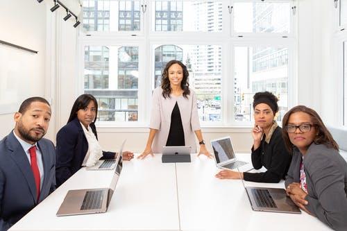 איך הדרכת מכירות תעזור לאנשי צוות המכירות?