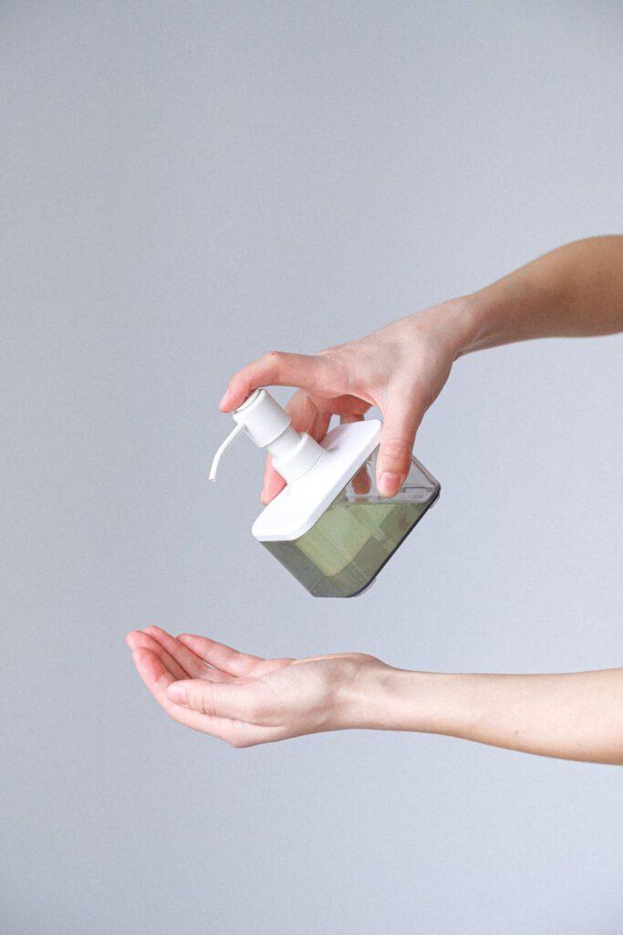 מתקן לסבון ידיים