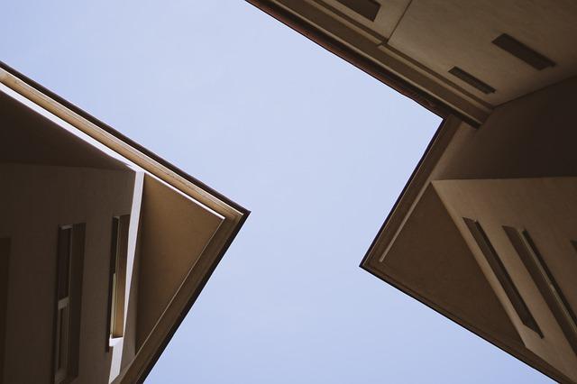 זיפות גגות במרכז – מתי זה מתאים?